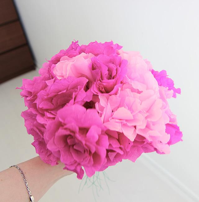bosje-crepe-papier-bloemen-beide-kleuren