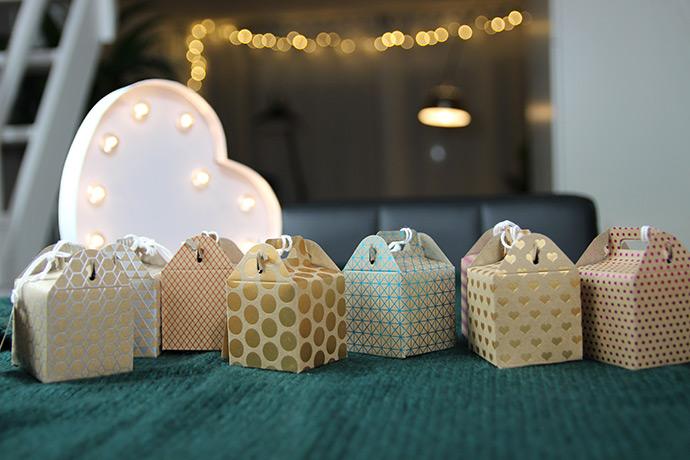 Dingen waar je blij van wordt het is bijna kerstmis for Een doosje vol geluk waar te koop